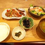Saketomeshinishikishokudou -