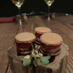 deico - フォアグラと苺のマカロン