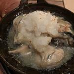 deico - 牡蠣と森野しいたけのアヒージョと自家製パン