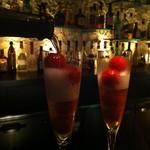 14410689 - イチゴとシャンパンのカクテル♪