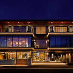 ラボンバンス環水公園 - 富山県下新町環水テラス きらびやかで美しい建物