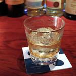 ジャガト カーナ - ウイスキー