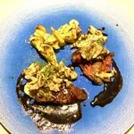 144105809 - 【アンガス牛のステーキ】                         キノコと赤ワインの単純なソースなのに奥深い味は橋本シェフの健在ぶりを窺えたようで笑いが込み上げた。