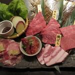 144110461 - モモ・カルビ・ザブトン・タン(ねぎ塩)・漬込カルビ・豚ばら・野菜