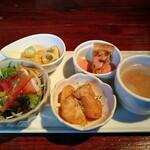 倉庫 - 前菜のプレート(4品とスープ)