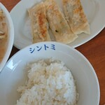 144121269 - 餃子とライス
