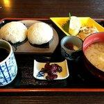 Wakaurashokudou - 鯛めしおにぎりSET 税込680円