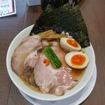 麺屋 あきのそら - 魚介しょうゆ全部乗せ。麺屋あきのそら(愛知県岡崎市)食彩品館.jp撮