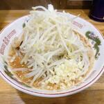ラーメン神豚 - 料理写真:小辛ミソラーメン