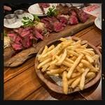 肉バルブッチャーズ 八百八 - ハラミ・肩ロース・ザブトンのグリル