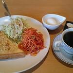 凱旋門 - 料理写真:ふつうのモーニング(アーモンド)ブレンドコーヒー