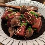 ヒヨク之トリ - 砂肝と赤蒟蒻の旨辛煮