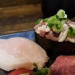 池袋西口 肉寿司 - トントロ、???。