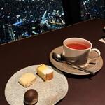 144142827 - ⑦小菓子と紅茶。