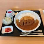 ゆっぽ亭 - 料理写真:カツカレー800円