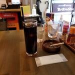 餃子酒場 ぶらんちゅ - アイスコーヒー。