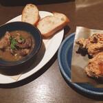 ビアーズテーブル ケラケラ - 鶏の唐揚げ、牛すじのベルギービール煮
