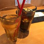 チロリン村 - ドリンク券提示でサービス ジャスミン茶(アイス) コーラ