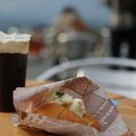 星野リゾート・トマム てんぼうカフェ - 料理写真:数量限定 ロールサンド(ポテトサラダが入っています)