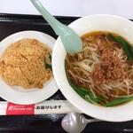 福泰厨房 - 料理写真:激辛らーめんとキムチ炒飯¥770