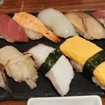 魚寿司 - 握り10貫 1,890円