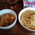 麺家 彩華 - 醤油つけ麺(中盛)。