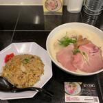 麺飯食堂 三羽鴉 -