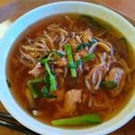 オージーヒル グリルレストラン - 料理写真:もやしは?のサンマー麵は肉多め