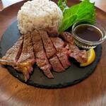 カフェ アンド レストラン オーガリ - リブロースのステーキランチ ¥880