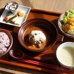 麹cafe 天goo - 料理写真:天gooランチ 赤ワイン煮込みハンバーグ