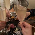 割烹 鼎 - シャンパン乾杯〜♪