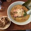 地どりラーメン - 料理写真:鶏白湯スープは飲み干し必至