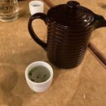 日本酒と地鶏の和バル 八鶴 - * お通し しゃもスープ