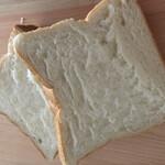 高級「生」食パン 乃が美 -