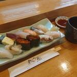 あら鮨 - 料理写真:ランチにぎり 12カン 1,500円(税別)