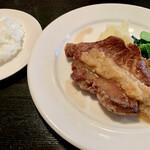 ビストロ・ポトフ - 料理写真:米沢豚のロースト和風ソース1,400円