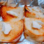 天然酵母のパン屋さん 白殻五粉 - 料理写真:ブール(トースト)