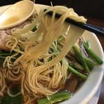 中華そば 一休 - 麺リフト