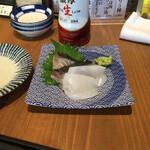 魚河岸酒場FUKU浜金 - 刺身2種。捌きたてで鮮度よく美味い。