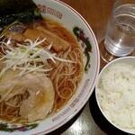 Toukyouramenrairaidou - 来々堂 醤油ラーメン(大盛)