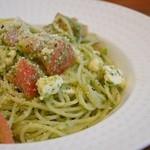 かふぇ そーにょ - 冷製トマトとモッツァレラのバジルソースのパスタ