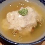吉い - 2012.08 湯葉蒸し。具は蟹・百合根・枝豆かな~?