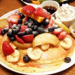 カイラ - カイラ・オリジナルパンケーキ トッピング全部のせ(1700円)