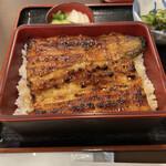 うな徳 - 料理写真:上うな重(1匹分)