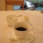 マルミトン - コーヒーはサイホンのドリップ