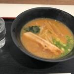 うまかラーメン - 味噌ラーメン400円