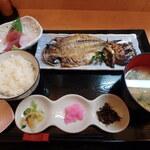 鱗介領 信海 食事処 - 干物ご膳¥1,540