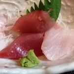 鱗介領 信海 食事処 - 干物ご膳のお刺身
