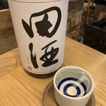 ぬる燗 ぞっこん 離れ - 田酒(特別純米)   青森県