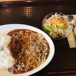 Wスパイス - 料理写真:ハヤシライス(普通盛)=550円 税込 チーズ(トッピング)=100円 税込